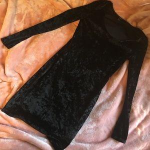 Black Velvet Long-sleeve Dress